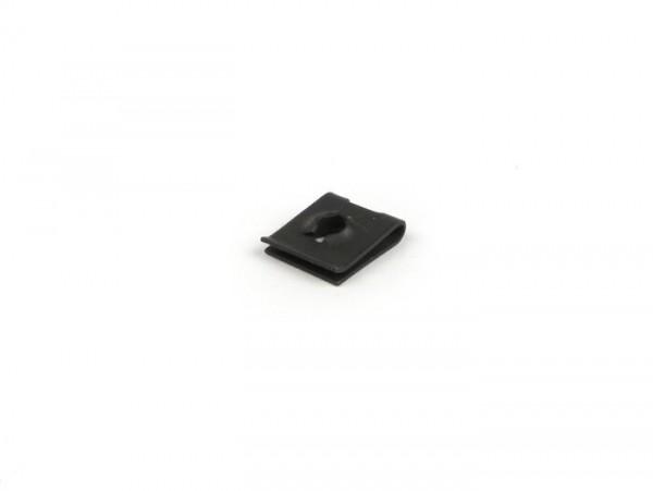 Grapa tornillo -PIAGGIO- Ø=5,0mm (para tapa deflector cilindro Vespa V50, PV125, ET3, PK S, PK XL)