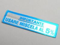Sticker for fuel tank cap -OEM QUALITY- Vespa, Importante - Usare Miscela al 5% (1:20) - blue