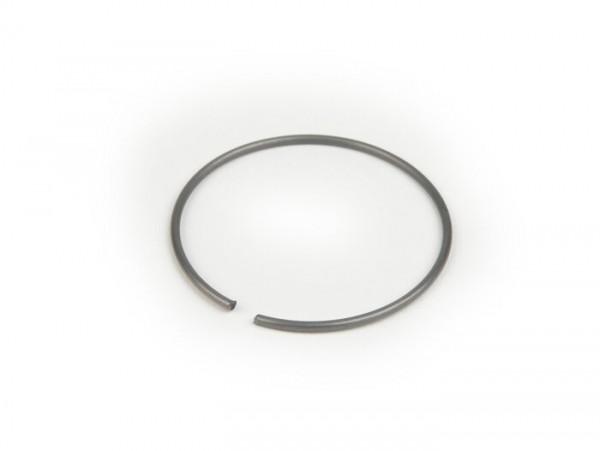 Clip for rear hub bearing -OEM QUALITY- Vespa Wideframe V98, V1 till V15, V30 till V33