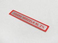 Adesivo per tappo serbatoio -QUALITÀ OEM- Vespa, Usare Miscela al 2% (1:50) - rosso