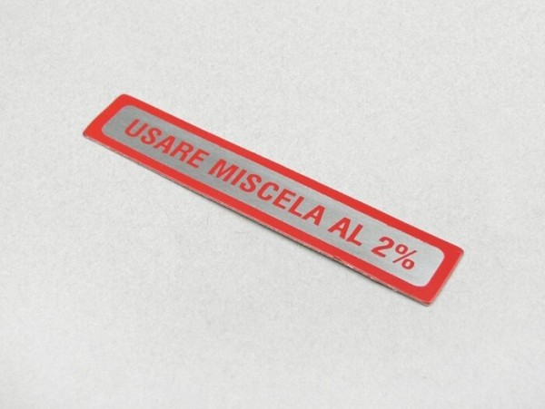 Sticker for fuel tank cap -OEM QUALITY- Vespa, Usare Miscela al 2% (1:50) - red