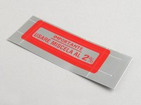 Sticker for fuel tank cap -OEM QUALITY- Vespa, Importante - Usare Miscela al 2% (1:50) - red