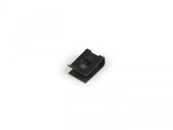 Blechmutter -PIAGGIO- Ø=4,0mm - 11x16mm - (verwendet zur Befestigung der Kaskade am Rahmen unten Vespa PK / PX / T5 125ccm)
