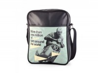 Bolsa Vespa bandolera -VESPA 26x33x9cm- More than one million of Vespa turn around the world - negro