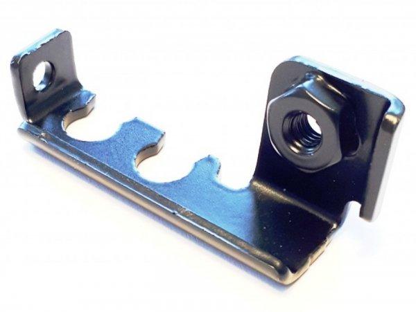 Halteblech für Bremsleitungen unter der Kaskade -PIAGGIO- Vespa GTS 125 (ZAPMA3100, ZAPMA3200, ZAPMA3700), Vespa GTS 150 (ZAPMA3200, ZAPMA3100), Vespa GTS 250 (ZAPM45100), Vespa GTS 300 (ZAPMA3300, ZAPM45200), Vespa GTS HPE 300 (ZAPMA3600), Vespa GTS