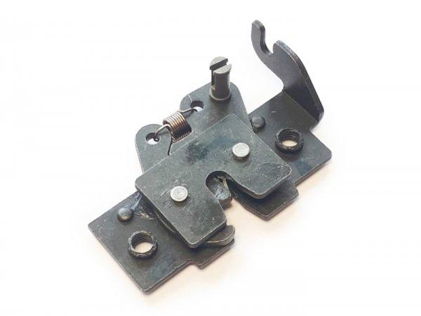 Seat lock -PIAGGIO- Vespa GT 250 (ZAPM45102), Vespa GT L 125 (ZAPM31100, ZAPM31101), Vespa GT L 200 (ZAPM31200), Vespa GTS 125 (ZAPM31300, ZAPMA3100, ZAPMA3200, ZAPMA3700), Vespa GTS 150 (ZAPMA3200, ZAPMA3100), Vespa GTS 250 (ZAPM45100, ZAPM45101), V