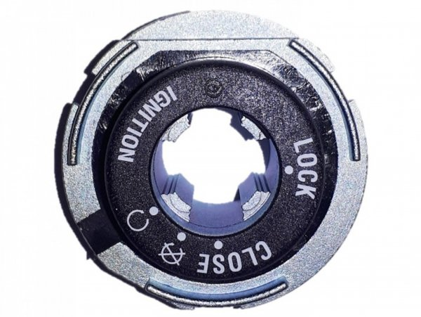 On-Off-Lock Buchse -PIAGGIO- Vespa GTS 125 (ZAPMA3100, ZAPMA3200, ZAPMA3700), Vespa GTS 150 (ZAPMA3200, ZAPMA3100), Vespa GTS 300 (ZAPMA3300), Vespa GTS HPE 300 (ZAPMA3600, ZAPMD310), Vespa GTS Super 125 (ZAPMA3100, ZAPMA3200, ZAPMA3700), Vespa GTS S