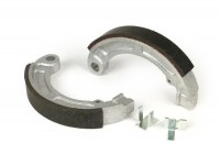 Brake shoes -POLINI Ø=135x20mm- VESPA V50 (r) - 9 inch