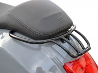 Gepäckträger hinten -MOTO NOSTRA, mit Soziushaltegriff- Vespa GT, GTL, GTV, GTS, GTS Super, GT60 - 125-200-250-300cc  - schwarz glänzend