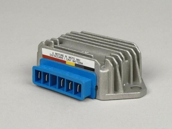 Regulador -5 clavijas 12V (A|A|G|B+|masa)- Vespa PX (-1984), PX Elestart (-1997), ET4 125cc (ZAPM04000, -1999), Piaggio 50cc 2 tiempos (-1999), Sfera 125cc 4 tiempos (ZAPM01000)