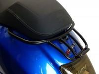Portapacchi posteriore -MOTO NOSTRA, con maniglia passeggero- Vespa GT, GTL, GTV, GTS, GTS Super, GTS HPE, GT60 - 125-200-250-300cc  - nero opaco